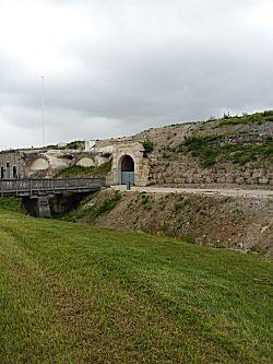 Van een afstandje het fort bekijken