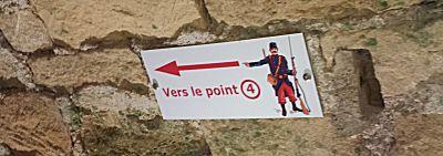 De richting in het fort wordt aangegeven