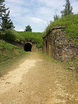 Buiten in het fort
