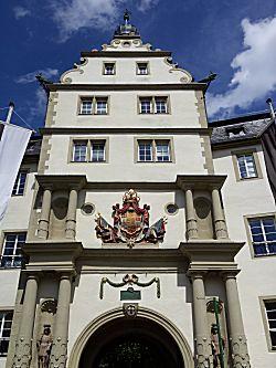 Kerk bij kasteel van de Duitse orde