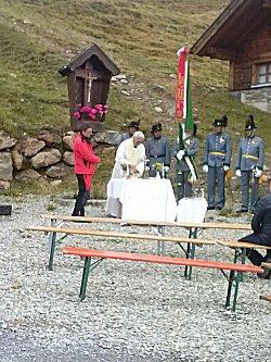 Een kerkdienst op de berg