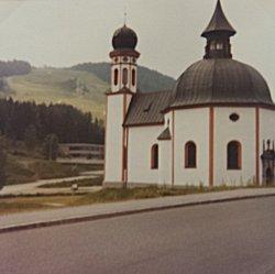 De kerk 35 jaar geleden