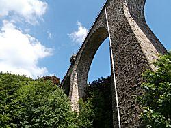 Een prachtige oude brug