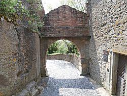 Toegangspoort van het kasteel