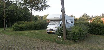 Prachtige ruime plaatsen op de camperplaats