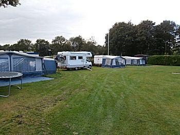 Op de camping met gratis kamperen